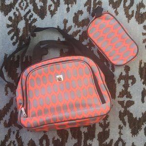 Handbags - NWOT Travel Tote & Toiletries Set